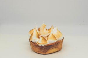 coconut meringue by Heftiba